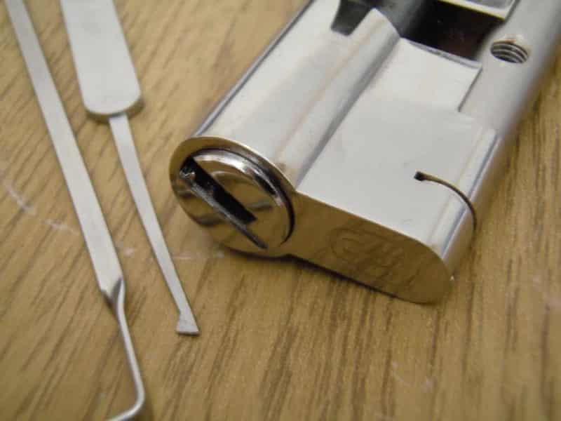 Great Secrets to Handling Locksmith Work Yourself